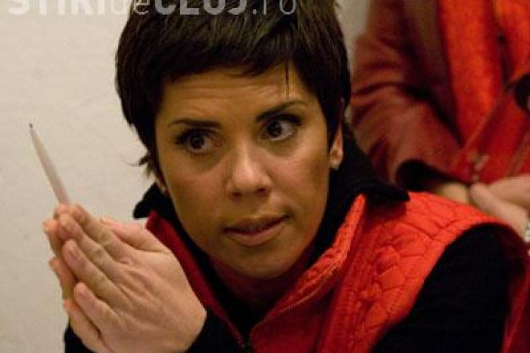 Madalina Manole trebuia pusa sub supraveghere dupa prima tentativa de sinucidere, crede Luminita Anghel