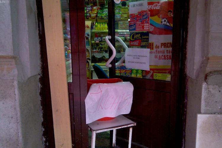Vin scumpirile! Magazinele din centrul orasului si supermarketurile au inchis miercuri dupa ora 20.00 pentru a modifica preturile