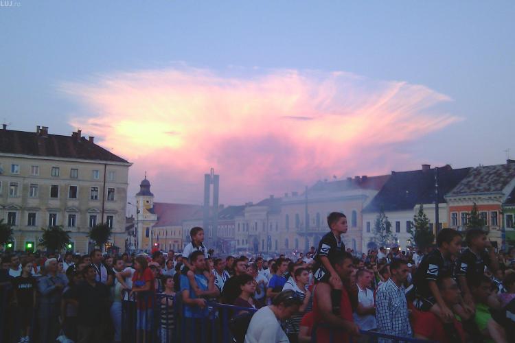 """Cerul a """"explodat"""" la prezentarea lotului de la U Cluj. Cadoul lui Florian Walter pentru suporteri a fost demiterea lui Dulca VIDEO si FOTO"""