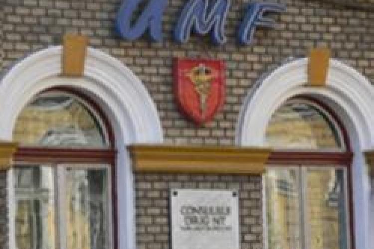 Taxe la UMF Cluj pentru anul scolar 2010-2011: 8.100 de lei romanii si 5.000 de euro strainii