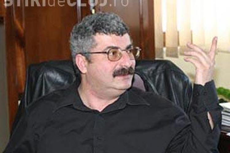 Silviu Prigoana este in doliu din cauza crizei mondiale. Deputatul umbla imbracat numai in negru
