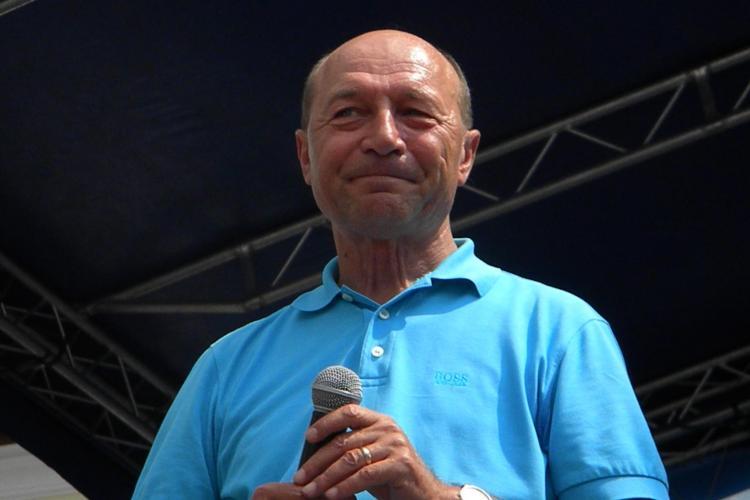 Băsescu: Nu îi pun premier pe Tăriceanu sau Ioan Rus. Mă gândesc la Adrian Năstase şi Dan Voiculescu