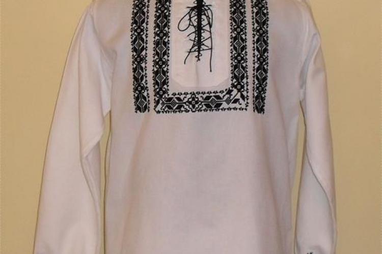 Costumele populare din Transilvania, croite la Cluj, se vând în străinătate cu peste 300 de euro