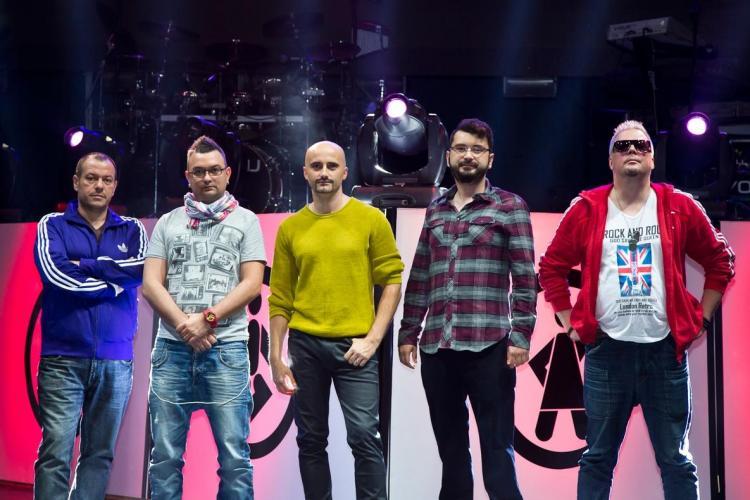 Voltaj cântă vineri, 7 decembrie, în Piața Unirii din Cluj. Concertul va incepe la ora 19.00