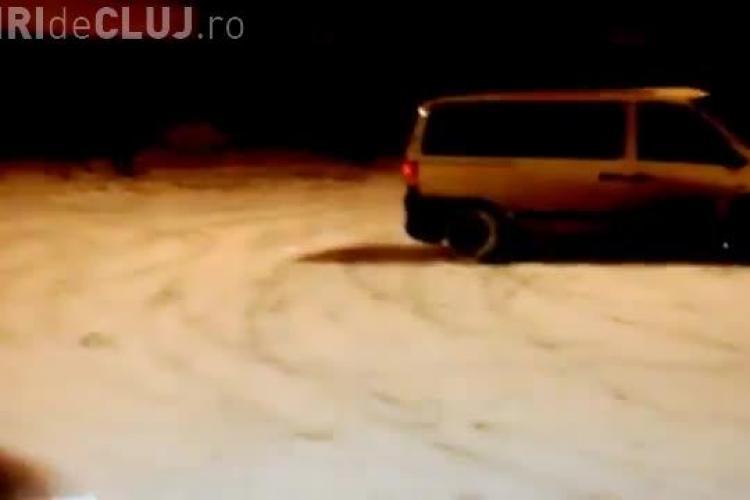 Drifturi pe zăpadă în parcarea Iulius Mall. A devenit o MODĂ - VIDEO