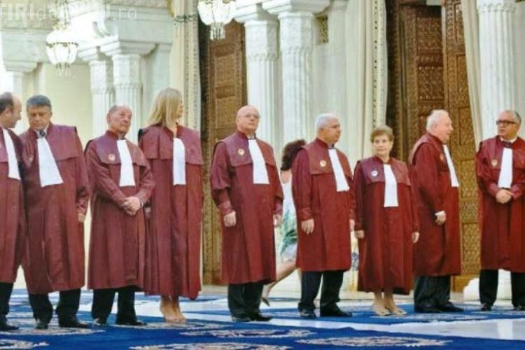 BOMBĂ!  Curtea Constituțională: Redistribuirea parlamentarilor, NECONSTITUŢIONALĂ?