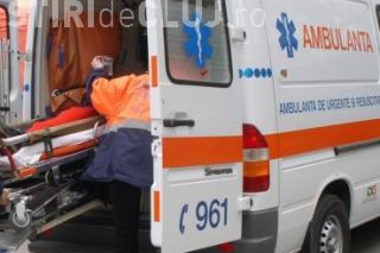 Accident pe Teodor Mihali, lângă sediul FSEGA! Un camion a lovit o tânără