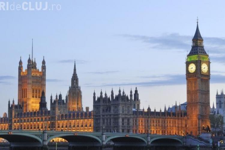 Britanicii au dat asigurări: Restricţiile românilor în Marea Britanie se vor ridica de la 1 ianuarie 2014