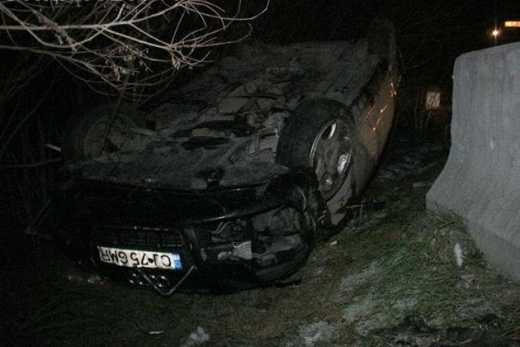 Accident la Cetan! Un șofer s-a răsturnat cu mașina pe malul Someș - VIDEO