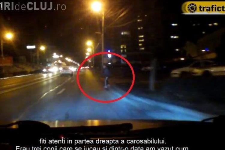Copil împins în fața mașinii pe strada Observatorului! Cât de aproape a fost de accident - VIDEO
