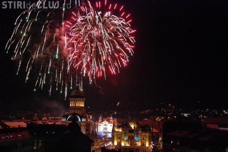 REVELION 2013 la Cluj. Foc de artificii, SPECTACULOS, în Piața Avram Iancu - VIDEO
