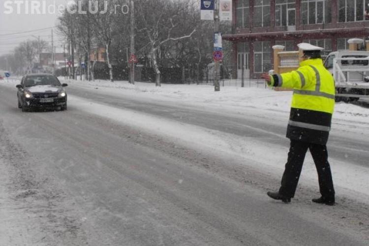 Sute de şoferi amendați pentru neechiparea maşinilor pentru sezonul rece