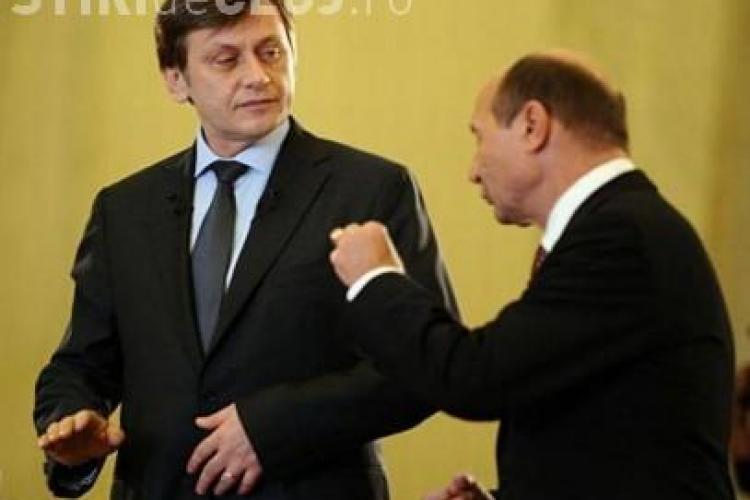 """Antonescu, atac dur la adresa lui Băsescu: """"Penalul penalilor, tăticul penalilor"""""""