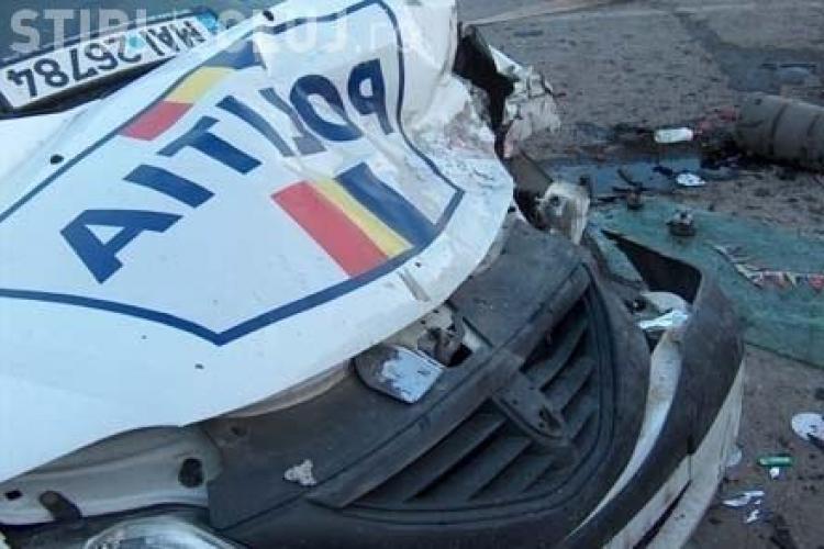O mașină de poliție s-a răsturnat la Geaca! Cauza: VITEZA