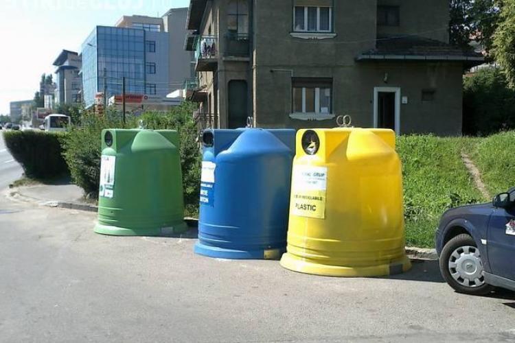 Rosal îi încurajează pe clujeni să colecteze selectiv deșeurile. Sunt distribuiți, gratuit, saci menajeri