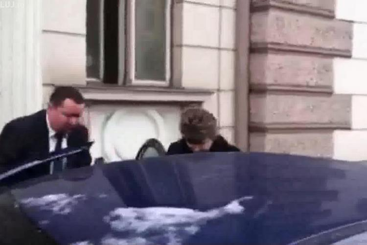 Ministrul Justiției, Mona Pivniceru, la Cluj. A plecat cu capul în PĂMÂNT - VIDEO
