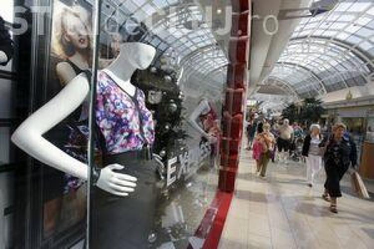 Femeile sunt dependente de cumpărături. Dovada există