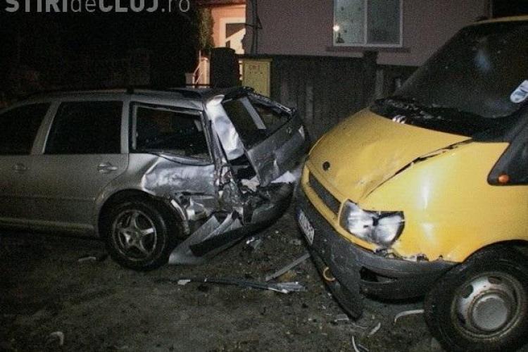 Accident DUR la Dej! Trei masini s-au făcut praf din cauza poleiului - FOTO și VIDEO