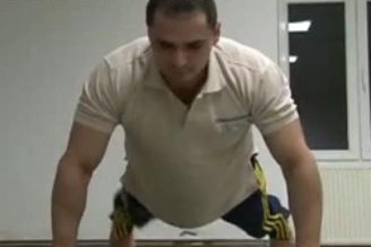 RECORD de FLOTĂRI la CLUJ! Jandarmul Adrian Petre a făcut 1.419 de execuţii în 49 de minute - VIDEO