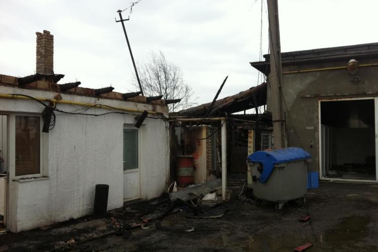 Incendiu pe Traian Vuia! O patiserie a luat foc - FOTO