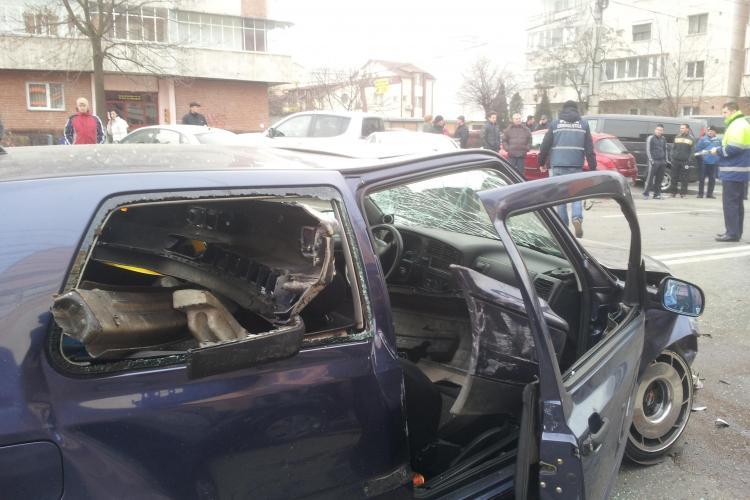 Accident pe strada București! 5 mașini sunt implicate - FOTO si VIDEO