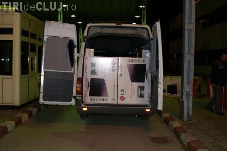 100 de televizoare LED confiscate la Huedin