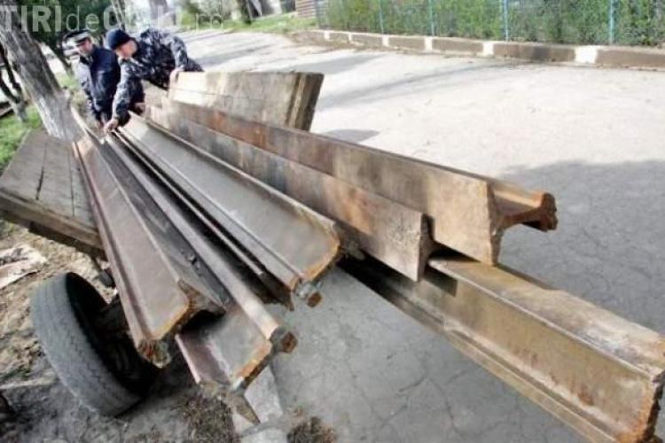 INCONȘTIENȚĂ! Șină de cale ferată furată din Mihai Viteazu