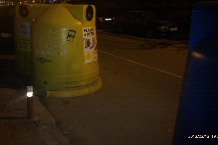 Pe strada Mehedinți legea nu se aplica. Rosal acuzată că își pune pubelele pe stradă. Cum răspunde? - VIDEO