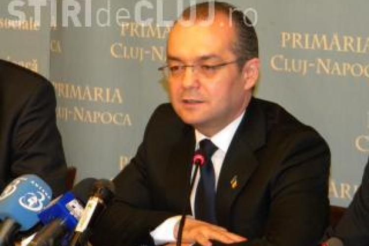 """Emil Boc catre Victor Ponta: """"fiecare sa aiba grija de propria gospodarie si sa nu moara de grija altuia"""""""