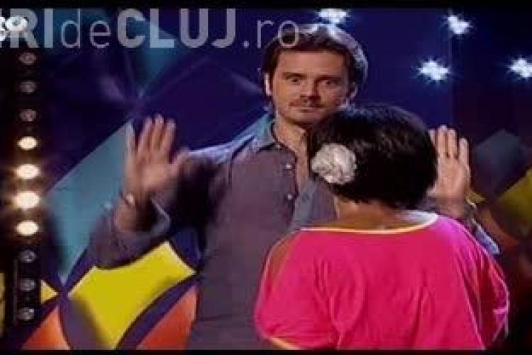 ROMÂNII AU TALENT: Mihai Petre sărutat pe gură de o concurentă - VIDEO