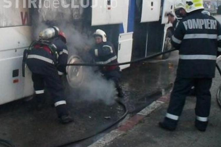 Un autoturism a luat foc la Dej!