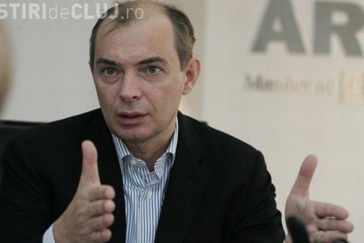 Cum și-a făcut averea NERUȘINATĂ şeful CSA Daniel Tudor, nababul oportunist din asigurări