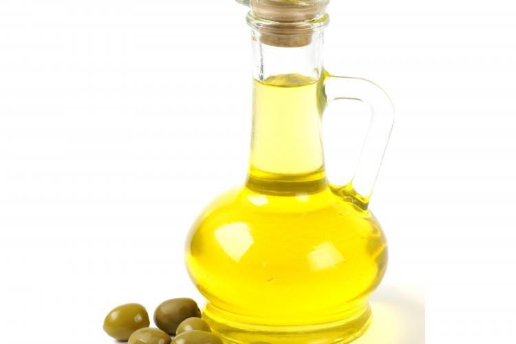 Uleiul de măsline, aliatul perfect al celor care vor să slăbească