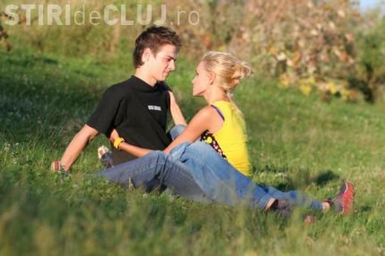Cuplurile fericite dezbat subiect concrete nu stau la șuetă - STUDIU