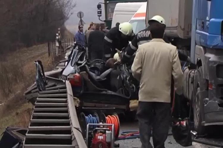 Accident la Căpușu Mare cu CINCI MORȚI. O familie de romi din Gilău a pierit. CAUZA: VITEZA - VIDEO