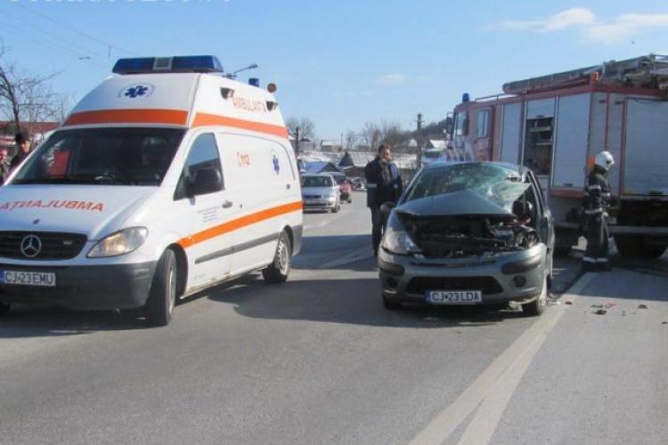 Accident la Bunești, lângă Gherla! Trei persoane sunt rănite - VIDEO