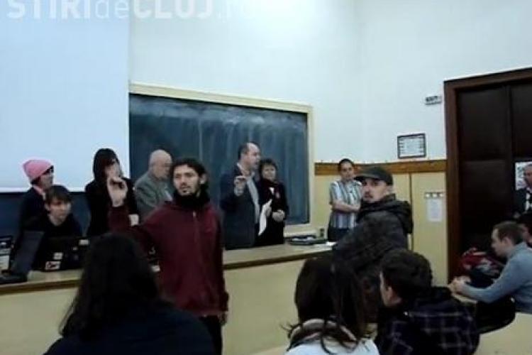 SRI îi monitorizează pe studenții care au OCUPAT UBB Cluj? Dezvăluirea este făcută de șefii Universității - VIDEO