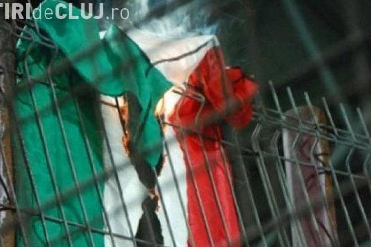 UDMR face plângere penală împotriva suporterilor care au ars la Cluj steagul Ungariei
