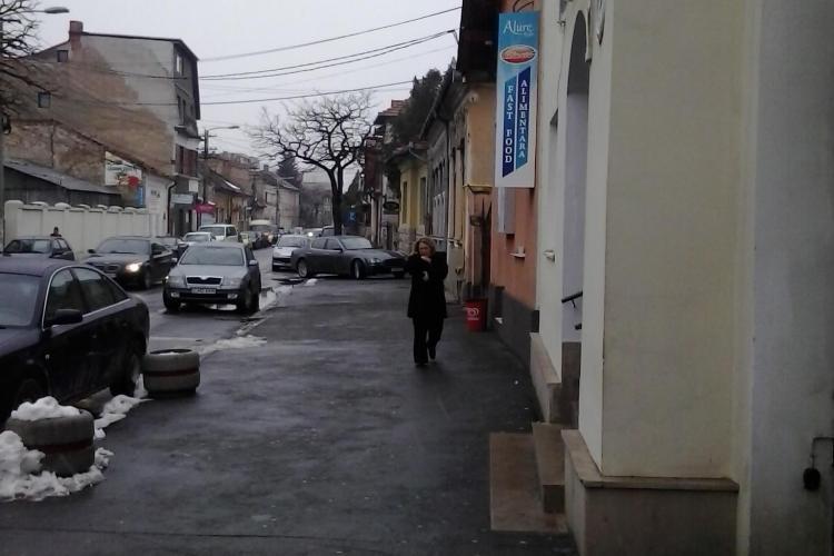 """""""Tupeu de Maseratti""""-a parcat pe trotuar lângă Spitalul Militar Cluj - FOTO"""