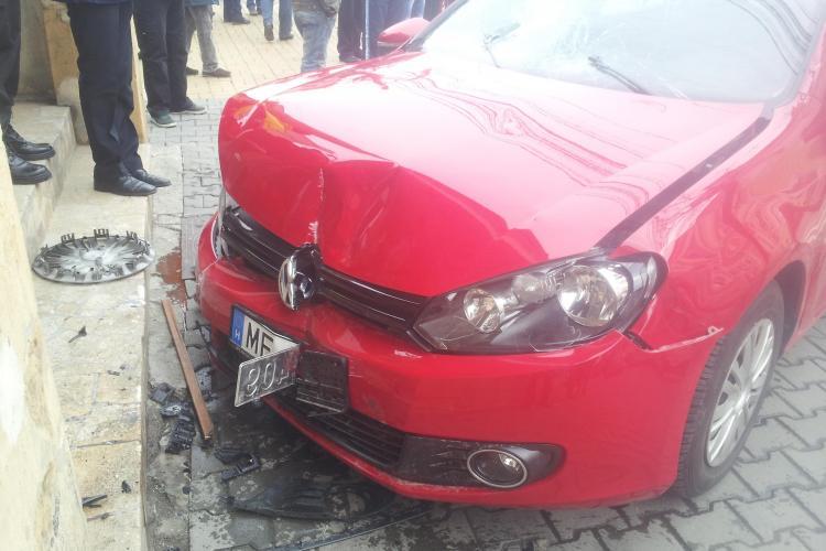 Accident pe Moților! O șoferiță a lovit 3 persoane pe trotuar - VIDEO