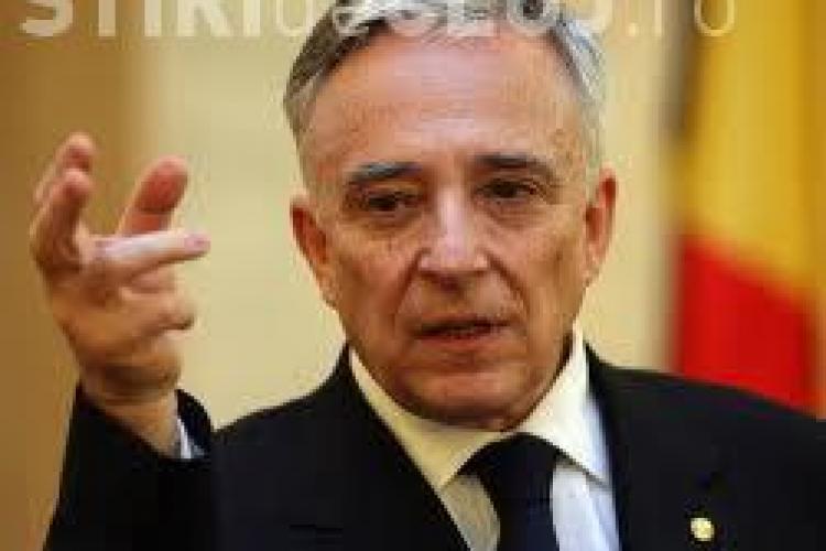 Isărescu: În România, unii au început să spargă depozite. Cei care au peste 100.000 de euro sunt puțini. Nu le dau sfaturi celor bogați