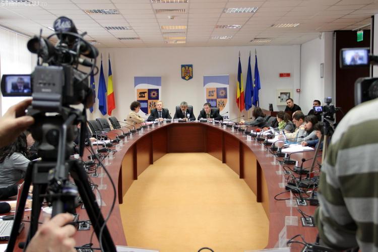 Ceartă pe buget în Consiliul Județean între PDL și PNL. Pe ce vor fi cheltuiți banii noștri
