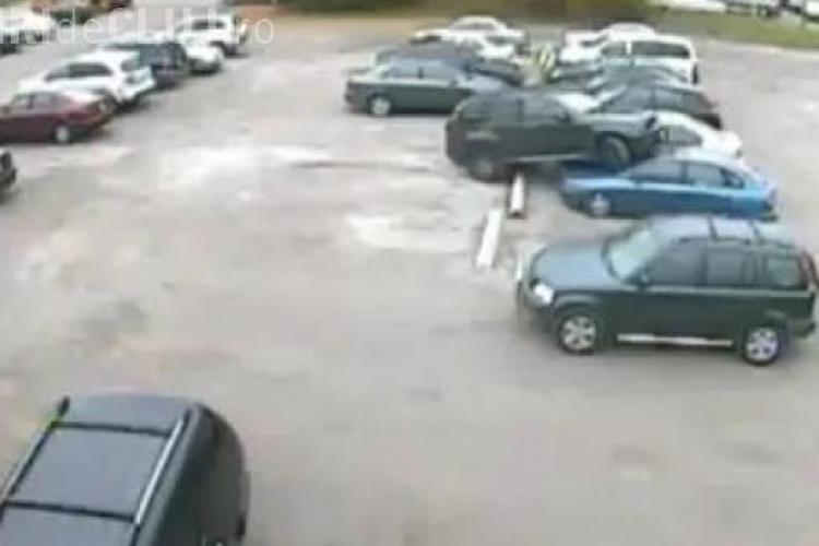 Cele mai COMICE parcări din lume. Acești șoferi nu au trecut pe la școală - VIDEO