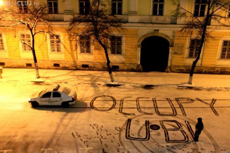 OCCUPY UBB! Studenții care au ocupat UBB au dormit acolo. Profesorii s-au solidarizat cu ei - FOTO și VIDEO