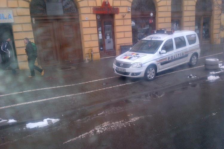 Cum să respecte clujenii regulile de circulație, dacă nici poliția nu o face? - FOTO