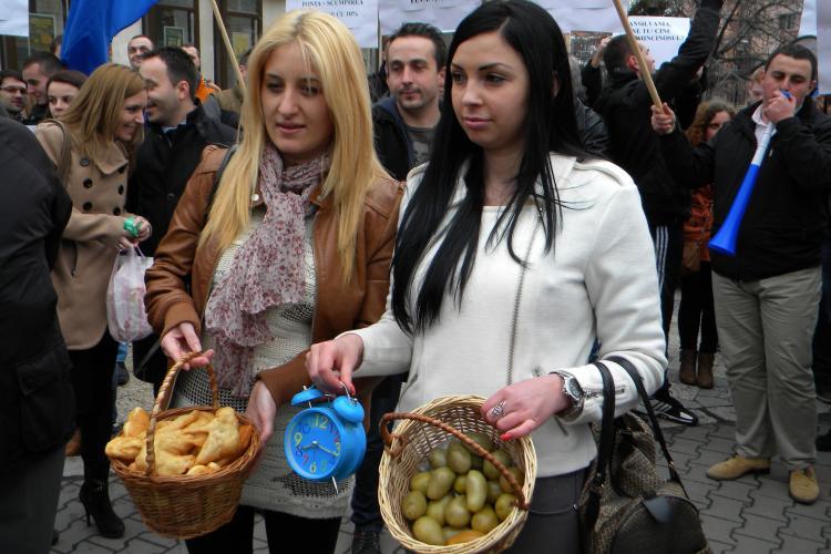 USL Cluj, atac dur la protestul de 1 aprilie al tinerilor PDL: Sunt sub vârsta pubertății