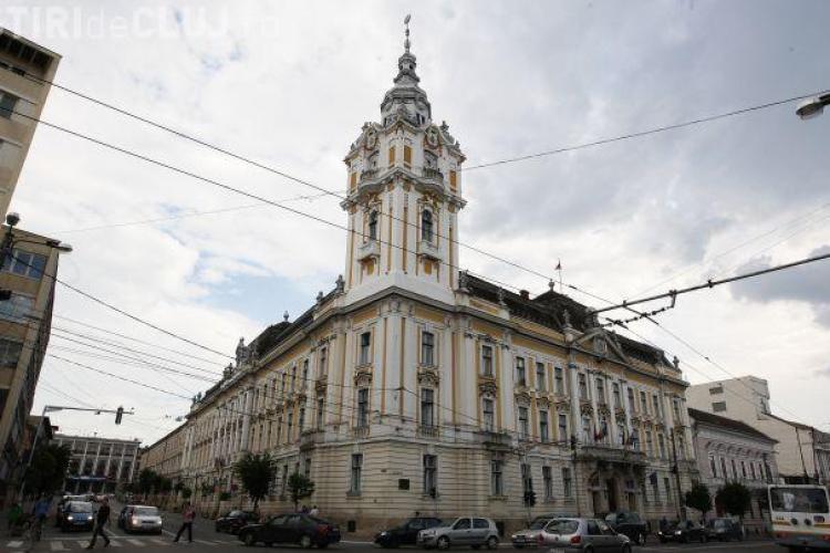 Angajații Primăriei Cluj-Napoca, obligați să restituie sporuri. Oamenii acuză Sindicatul Civitas că i-a apărat în instanță cu nepoata șefului