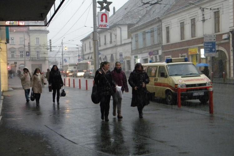 Weekend cu vreme rece şi ploi! Cum arată PROGNOZA METEO PE TREI ZILE
