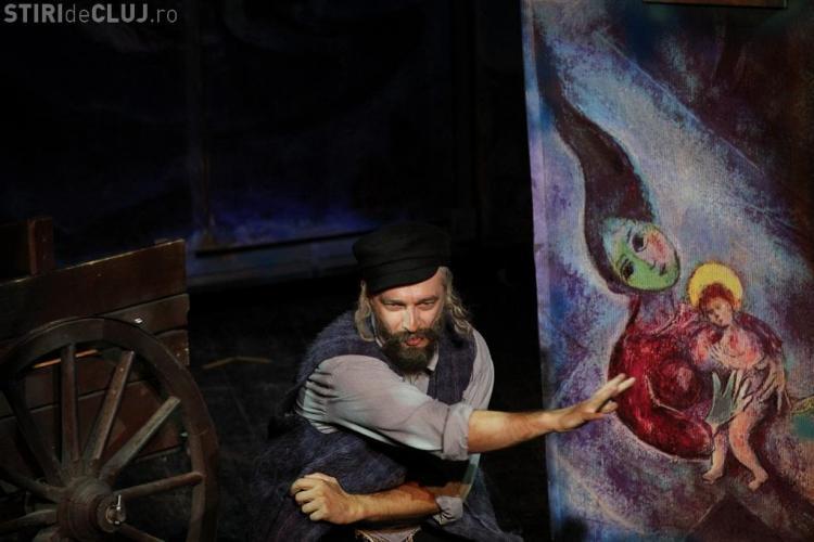 Teatru la Cluj: Piesa SCRIPCARUL PE ACOPERIŞ va fi jucată în 16 aprilie