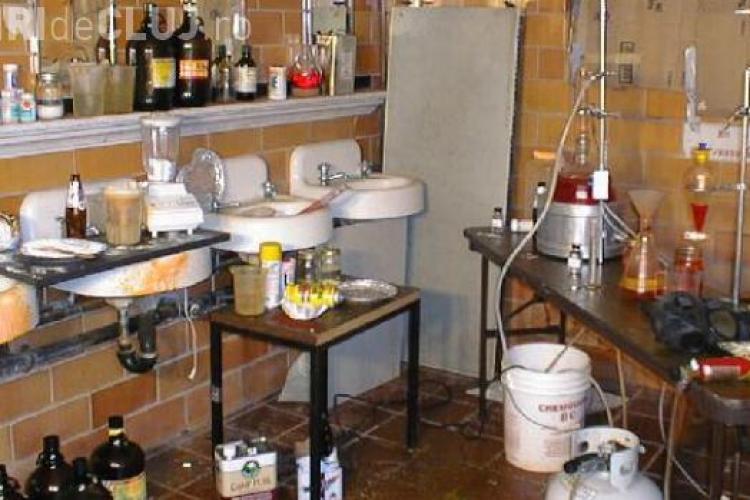 Laborator de etnobotanice, descoperit la Cluj: Au fost confiscate 20 kilograme de droguri ușoare